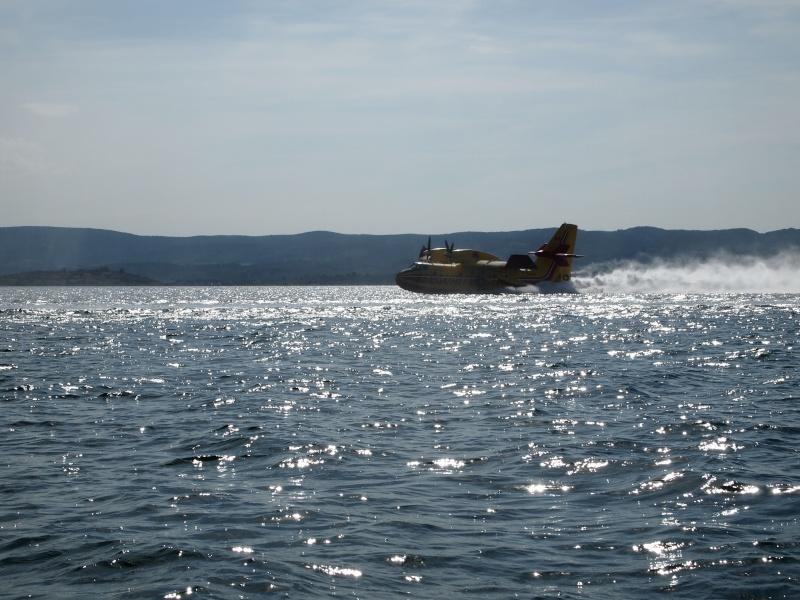 ILS SONT TROP FORTS LES CANADAIR Canadair-1